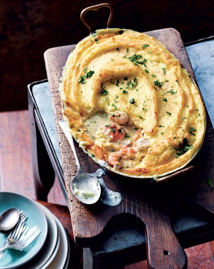 Echt comfortfood, een heerlijke vispastei. Rijk en romig en precies goed voor een koude avond. Uit 'delicious. Lekker koken'.  Kijk hier voor dit recept, of een van de andere recepten: http://www.fontaineuitgevers.nl/wp/wp-content/uploads/9789059564503-delicious-Lekker-koken-klein.pdf