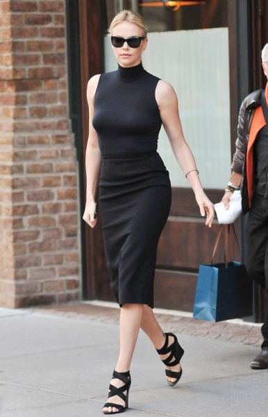 Charlize TheronCelebrities Fashion, Charlize Theron, Celebrities Style, Christian Dior, Dresses, Charlizetheron, Black Outfit, Pencil Skirts, Dior Dress