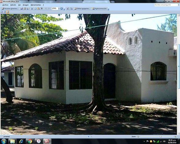 RANCHO EN PRECIOSA  PLAYA EL TAMARINDO   Playa  El Tamarindo, pasando el Hotel TropiTamarindo.   Terreno: 3,454.90 varas². Comstruccion:  356.16 metros². Casa principal,Rancho con cocina, piscina con su bomba-filtro y baños con duchas, muro perimetral, pozo con bomba para riego, bodega, casa guardian, casetas y calle pavimentada. http://www.compra-venta.org/anuncio_poner_confirmar.phtml?anuncio=0&pais= $  105.000.00   NEG