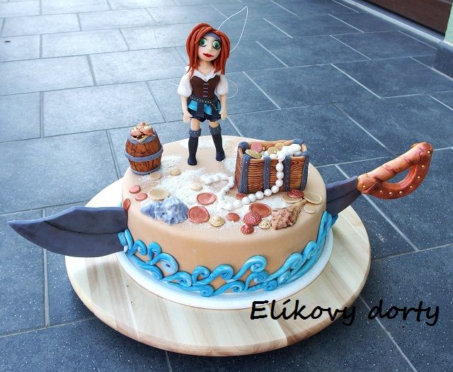 Cake inspired by Tinkerbell and pirate fairy
