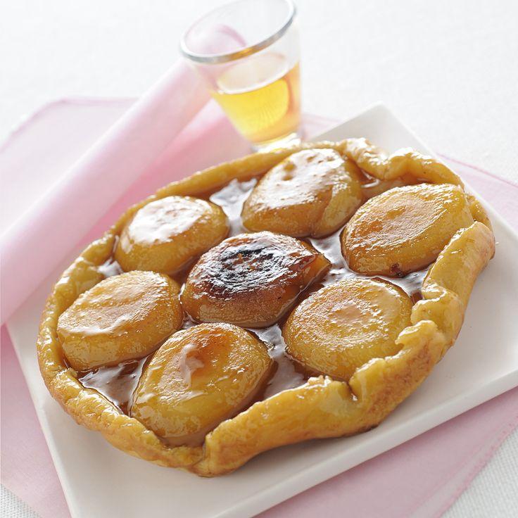 La classica torta rovesciata di tradizione francese vi conquisterà con il profumo delle mele e la croccantezza del caramello. Prova la ricetta di Sale&Pepe.