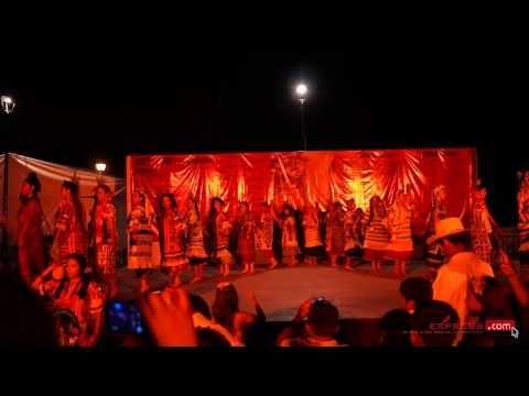 ▶ Guelaguetza 2013 Flor de Piña 45 Aniv. Grupo Folklórico del ITO - YouTube