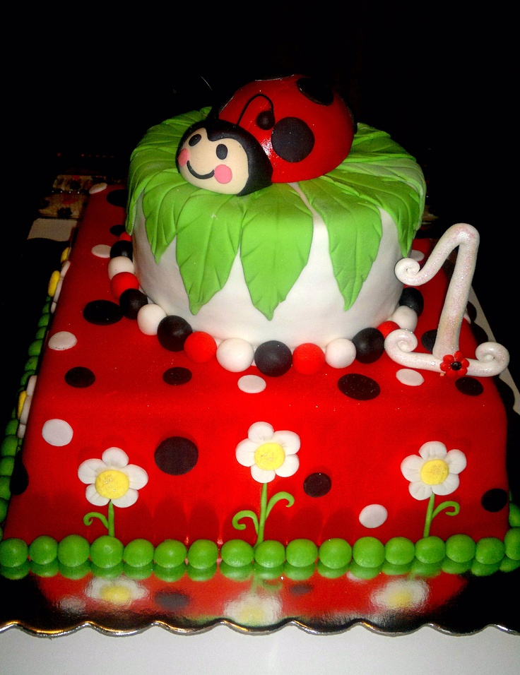 Torta decorada ladybug