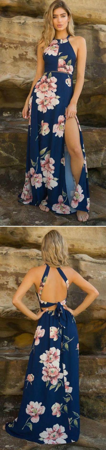 Longue robe bleue fleurie