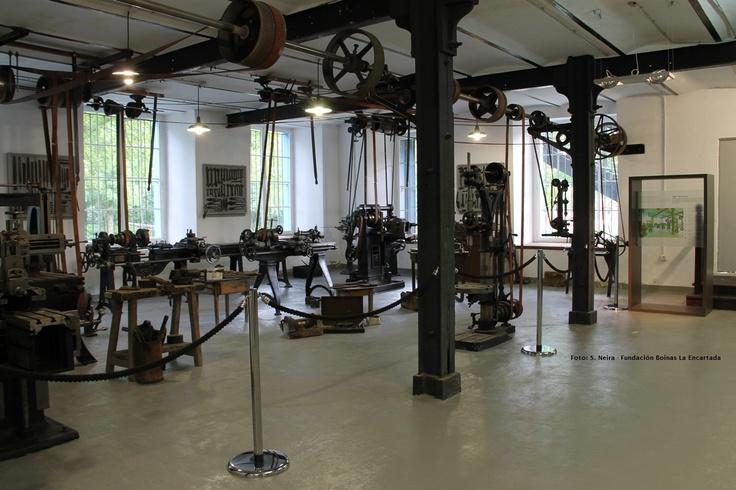 Taller mecánico: en La Encartada eran autosuficientes. Disponían de taller mecánico donde reparar las máquinas o rehacer las piezas de las máquinas que se estropeaban.