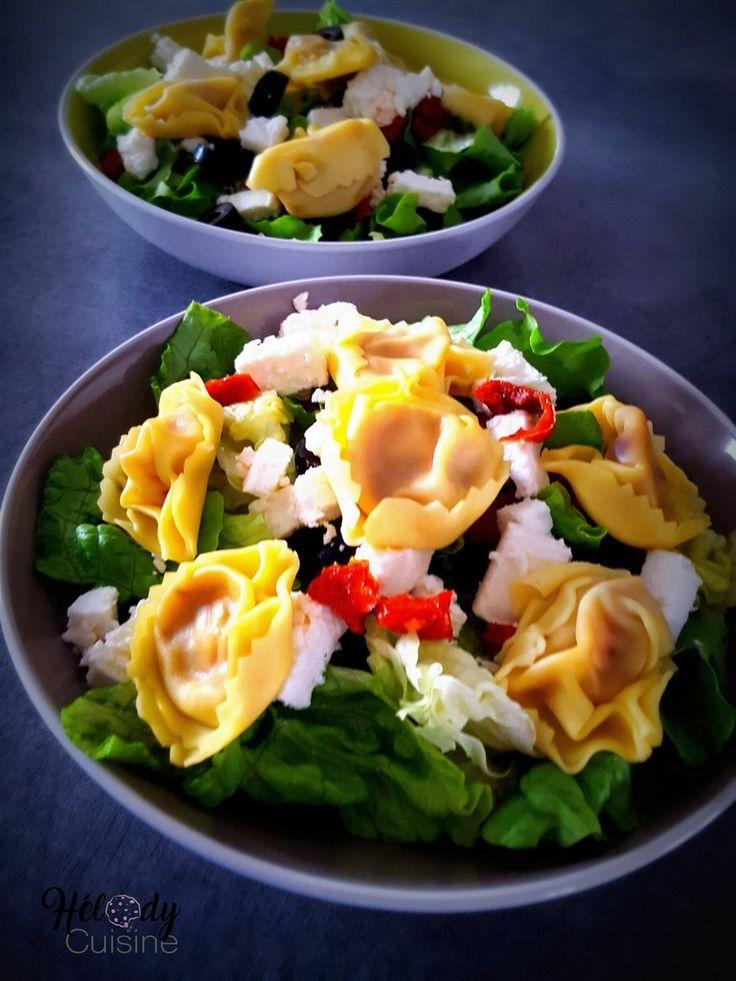 Salade froide de tortellinis, tomates séchées, feta et olives noires