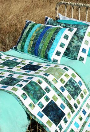 ...Doubt I'd ever make pillowcases, but this would be a lovely idea for table runner and matching placemats for the new house.....vwr