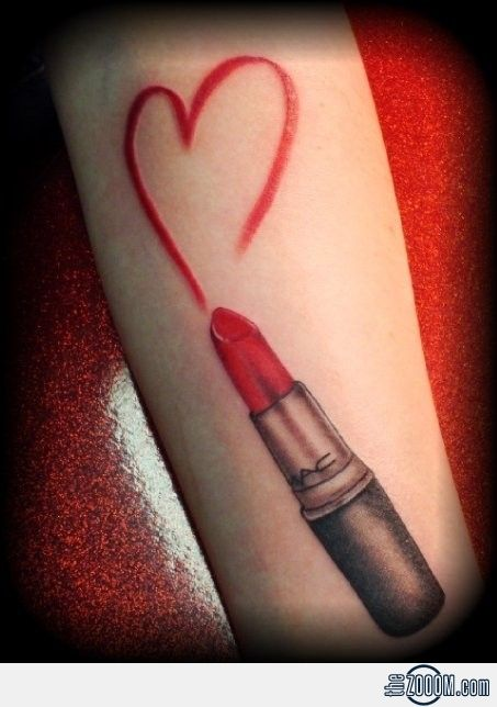 Lipstick Tattoo I want something like this