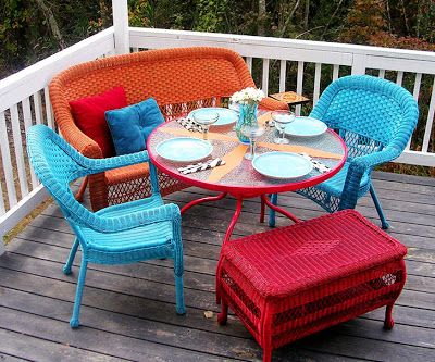 Paint Old Wicker Patio Furniture With Bright Colors
