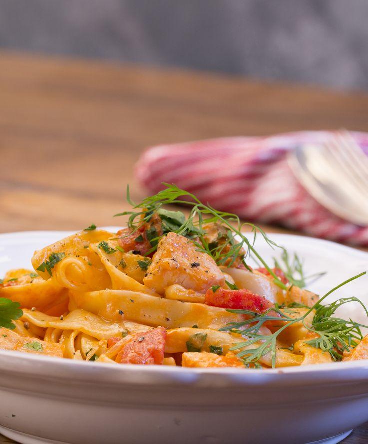 Tagliatelle al Salmone: Lachs trifft auf Pasta