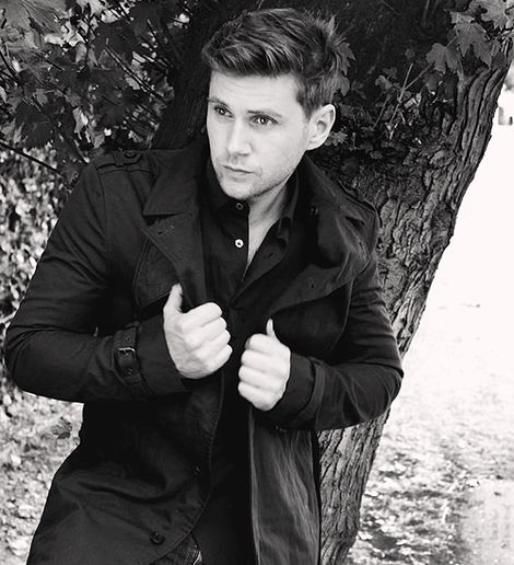 Allen Leech aka the adorable Tom Branson from Downton Abbey. <3 him.