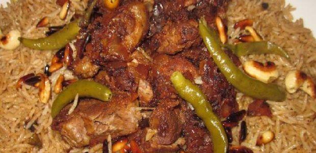 طريقة إعداد جريش باللحم مقادير طريقة عمل جريش باللحم 4 أكواب من الجريش 1 كلغ من اللحم حب ة بصل حب تا بندورة ملعقة صغيرة من الفلفل الأسود Recipes Food Dishes