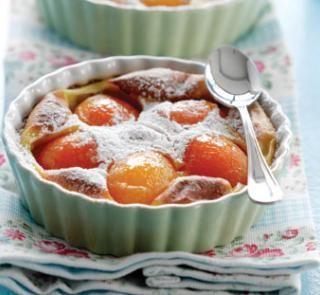Apricot clafoutis | Healthy Food Guide #concorso #matildetiramisu #dolciricette