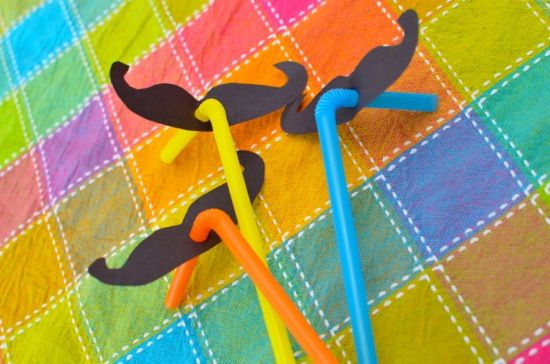 Super quick  moustache straw craft, just for giggles