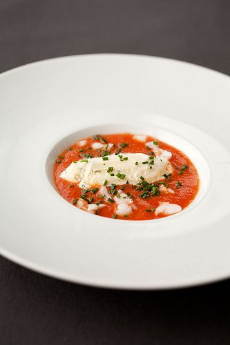 tomatengazpacho met basilicum-ijs