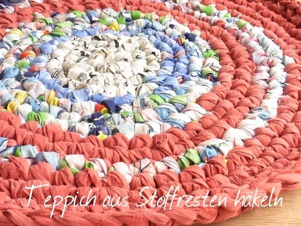 crocheted rag rug recycling pur anleitung f r einen. Black Bedroom Furniture Sets. Home Design Ideas