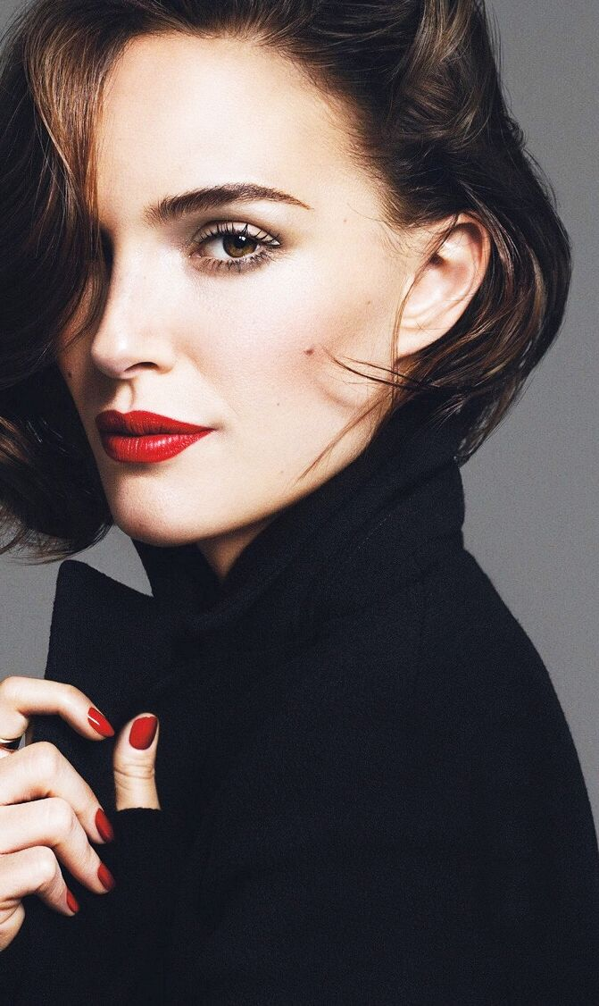 Natalie Portman photographed for the September 2016 issue of Glamour España.