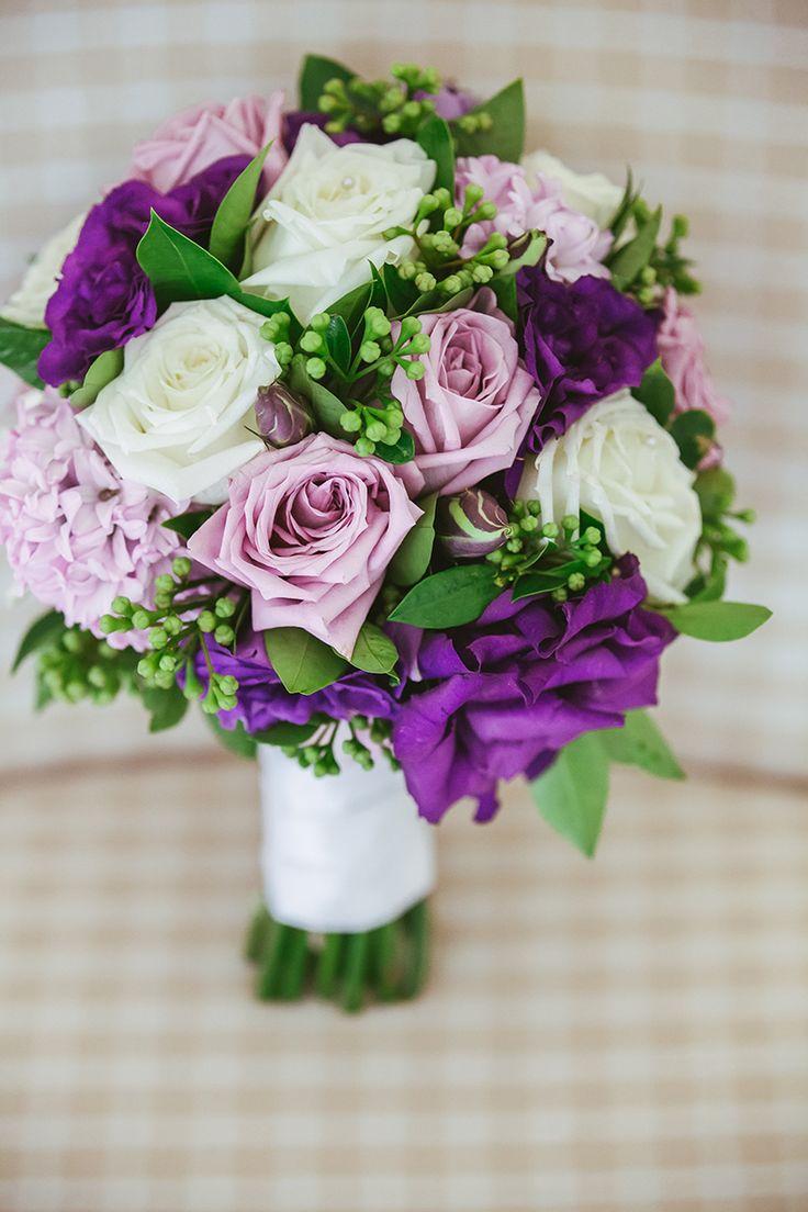 Bride's Purple and Lilac Bouquet | Fresh Flowers | Coolibah Downs Wedding | Eliza Davis - Gold Coast Wedding Photographer |