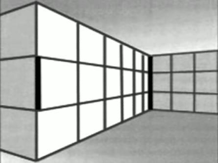 2本の太い縦線は同じ長さ。