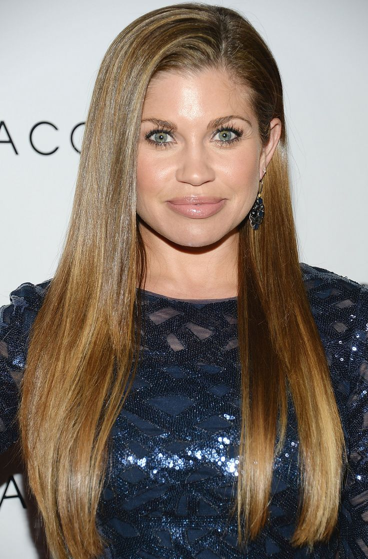 Danielle Fishel- part, colour and length.
