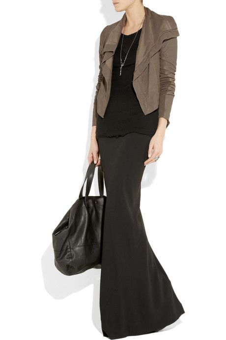 winter maxi skirt & leather jacket #winter #maxi #wintermaxi