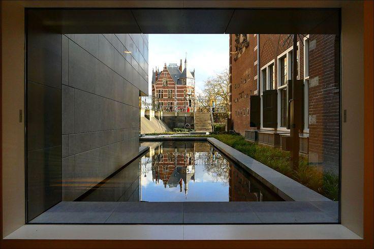 Vanuit de nieuwe Philips-vleugel van het Rijksmuseum...