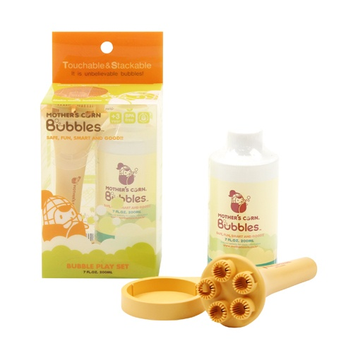 MOTHER'S CORN Bubbles is a non-toxic, fun, smart and green way to play with bubbles. The bubble liquid is made of natural cellulose extracted from trees, which is generally used for medical or food additives in ice cream or bread. Available at www.kidsberry.com.au