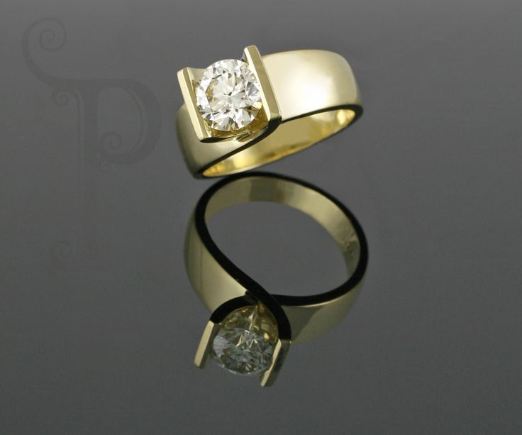 18ct Yellow gold Matt Cross Over Solitaire Ring, Set With a round Brilliant Cut Diamond