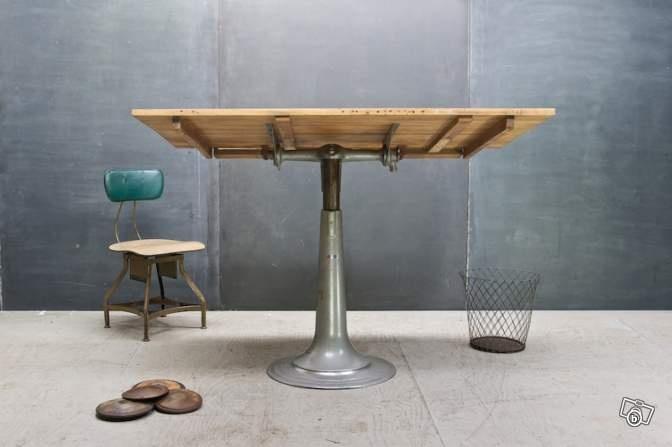 table dessin table d 39 architecte suedoise nike ameublement paris standing. Black Bedroom Furniture Sets. Home Design Ideas