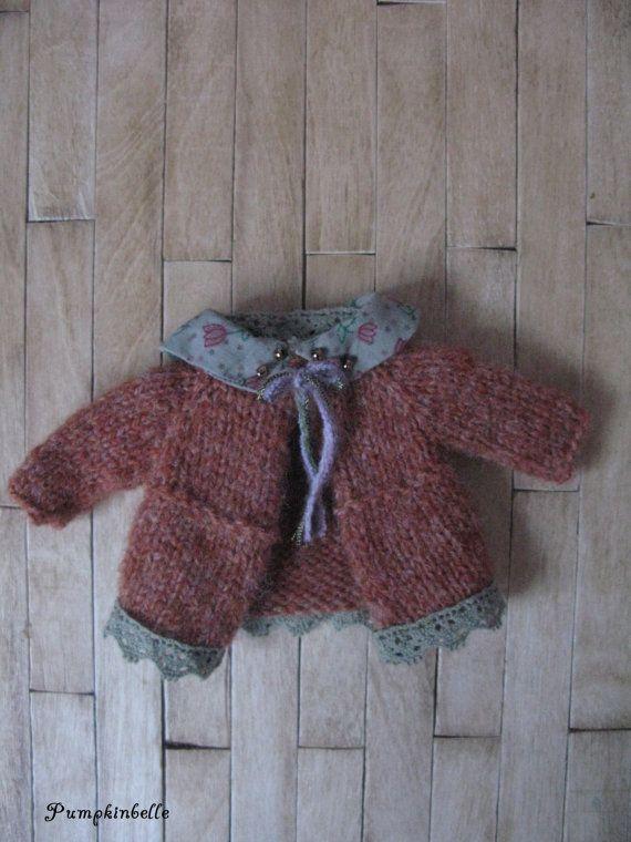https://www.etsy.com/fr/listing/126131297/woodland-walk-cardigan-for-blythe