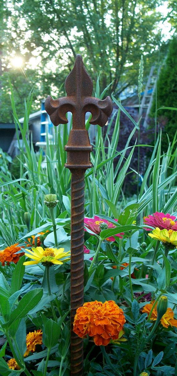 25 best ideas about rusty garden on pinterest