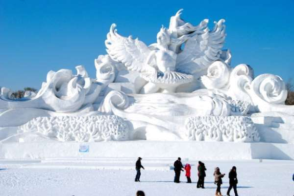 Snow & Ice Festival in Harbin China that is not far from cold and wintry Siberia The average winter temperature in Harbin is -16.8 degrees Celsius what creates the perfect climate for the wondrous ice and snow sculptures. http://ift.tt/2BgEJK2