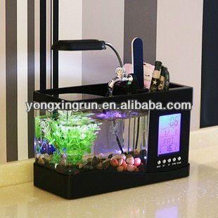 Mini tanque de peces de acuario Penholder con escritorio LED reloj