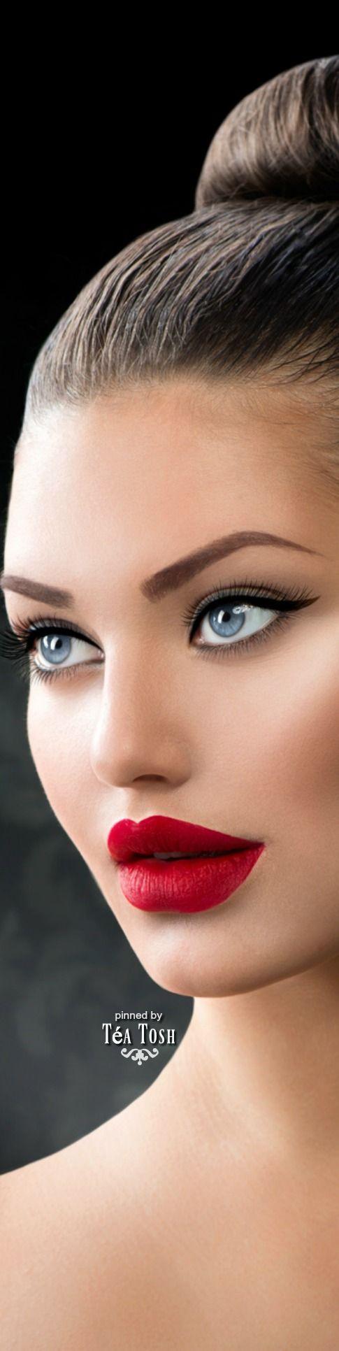 For More  Makeup Brushes    Click Here http://moneybuds.com/Makeup/