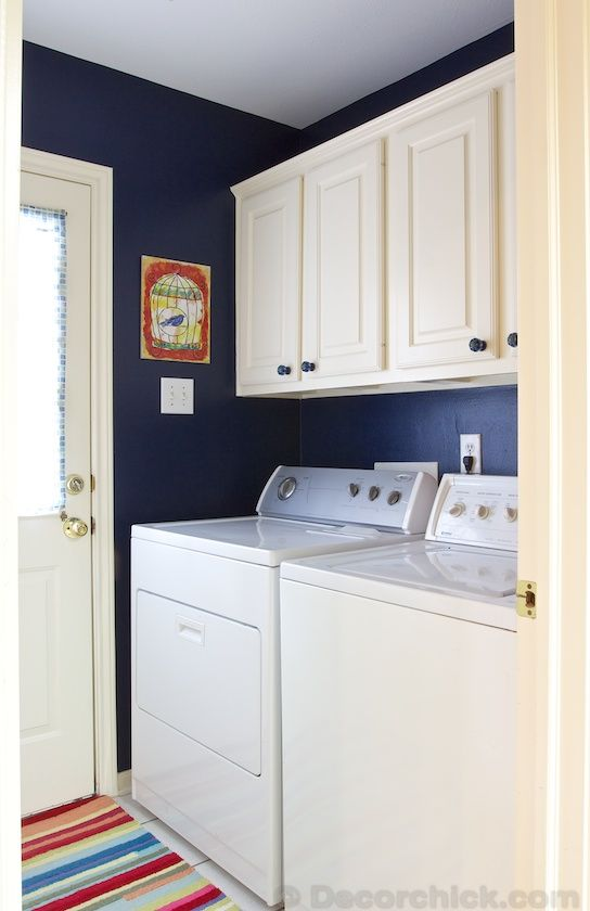 Laundry Room Makeover with Navy Blue Paint | www.decorchick.com
