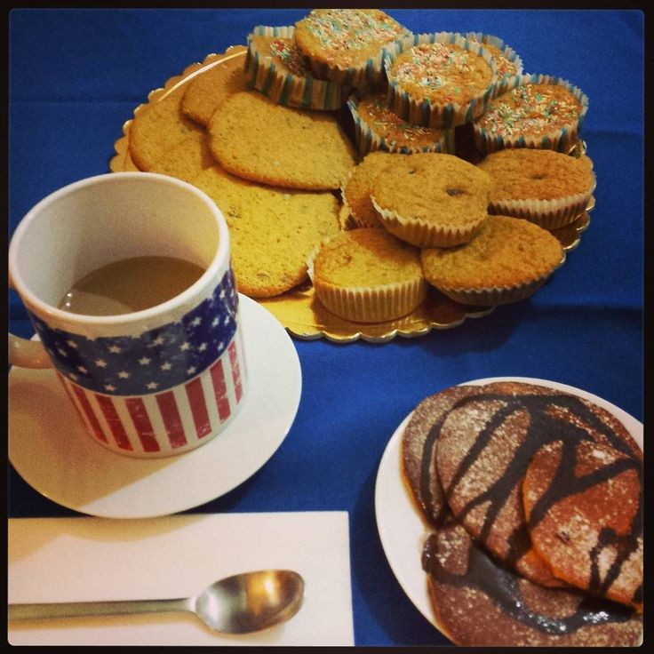 Good morning! #kialacamper #kialaathome  #breakfast #food #morning #foodporn #yummy #goodmorning #instafood #delicious #pancakes #foodie #chocolate #milk #frühstück #cookies #chocolatechip #chocolatechipcookies #redfruit #cappuccino #coffee #buongiorno #whitechocolate #usaforyou #IloveUS