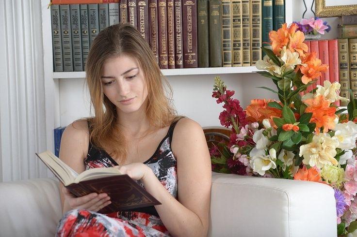 Een nieuw onderzoek, dat uitgevoerd werd door de Universiteitvan Yale, heeft aangetoond dat mensen die regelmatig boeken lezen, gemiddeld twee jaar langer leven dan de niet-lezers.