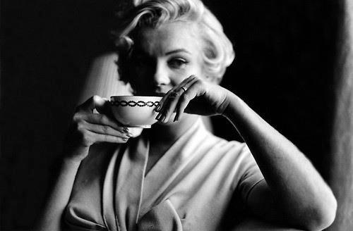 Marilyn Monroe Drinking Coffee