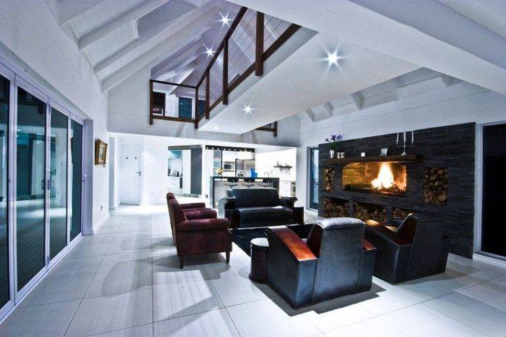 Fireplace & Lounge Area
