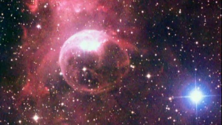 26-osainen Avaruuskansiot -sarja esittelee aurinkokuntamme ihmeitä.