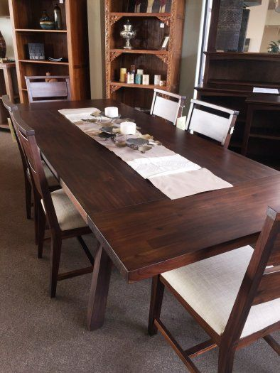Hilo Hawaii Portland Dining Table