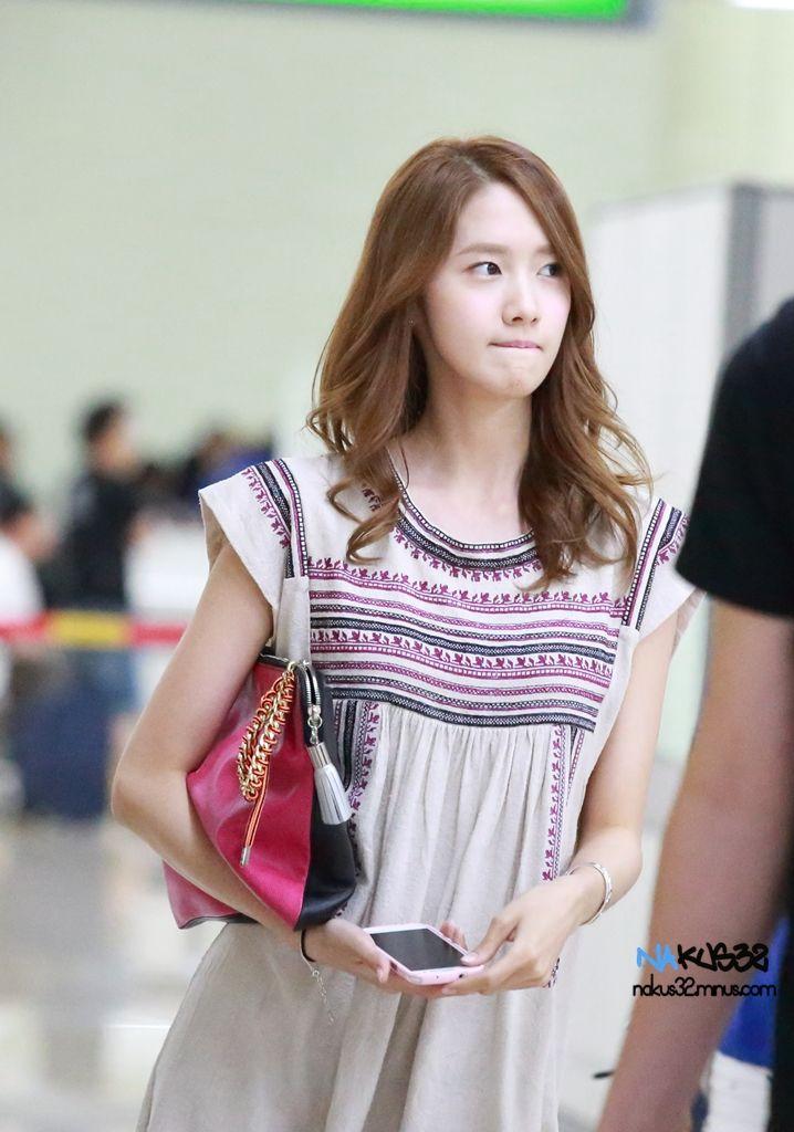 SNSD-Yoona-airport-fashion-June-29-06.jpg (718×1024)