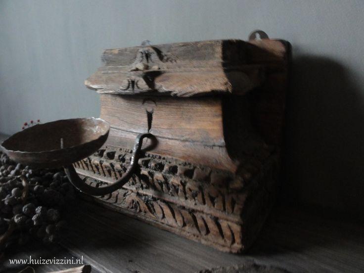 Oude (wand)kandelaar 3