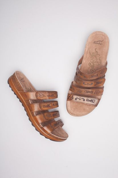 The Dansko Caramel Veg from the Paulina collection