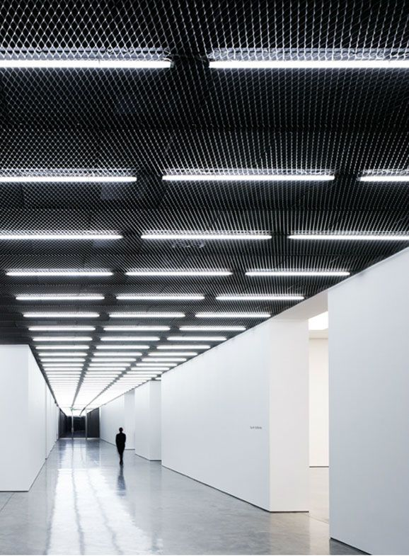 White Cube Gallery Bermondsey London by Casper Mueller Kneer