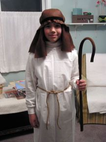 Easy and quick way to make a shepherd outfit.