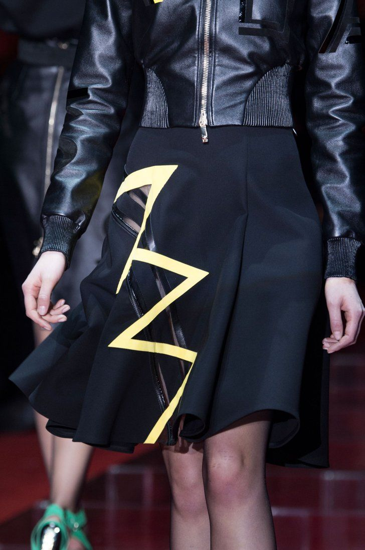 Pin for Later: You Won't Believe What the Clothes at Fashion Week Look Like Up Close Versace Fall 2015