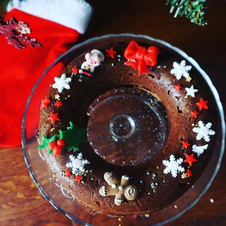 Ce week rend c était cuisine de Noël avec les enfants, on a bien rentabilisé le moule à savarin de chez @fika_atelier_patisserie_julia #bakingwithkids #christmanwreath#cake #patisserie #pâtisserie #gateau #gateauauchocolat #couronnedenoel...