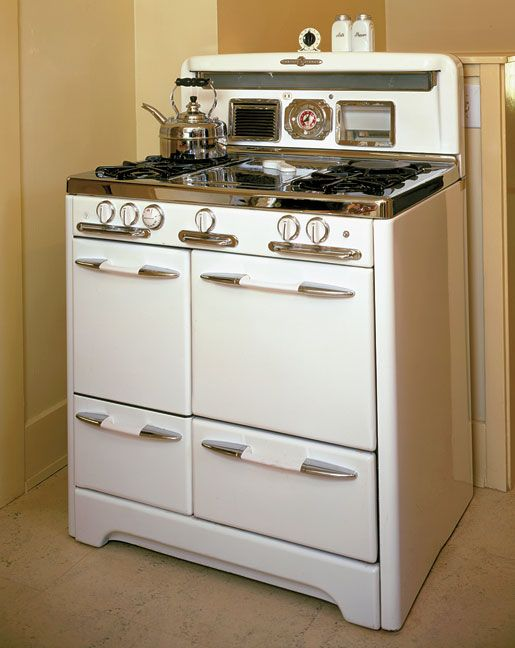 Buyer's Guide to Vintage Appliances:   Antique stoves and refrigerators add the perfect touch to a period kitchen. --- Old House Online
