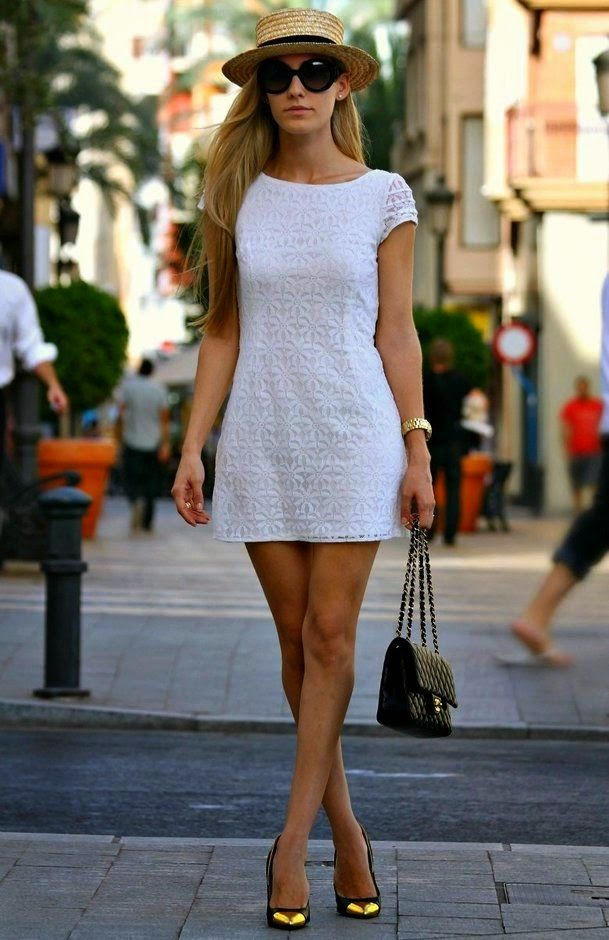 vestido branco curto, com chapéu, moda feminina, roupas da moda